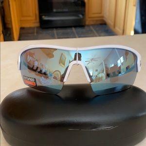 Under Armour White Wrap Baseball Sunglasses NWT